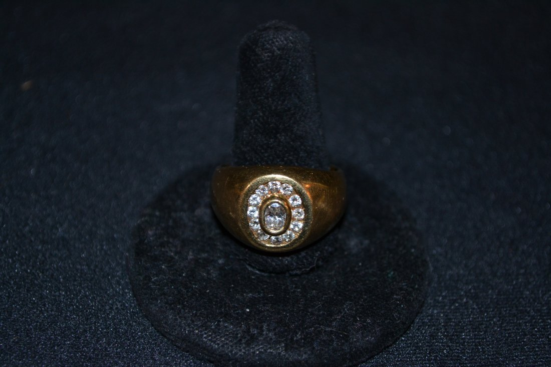 280R: 18kt DIAMOND CENTER STONE RING WITH