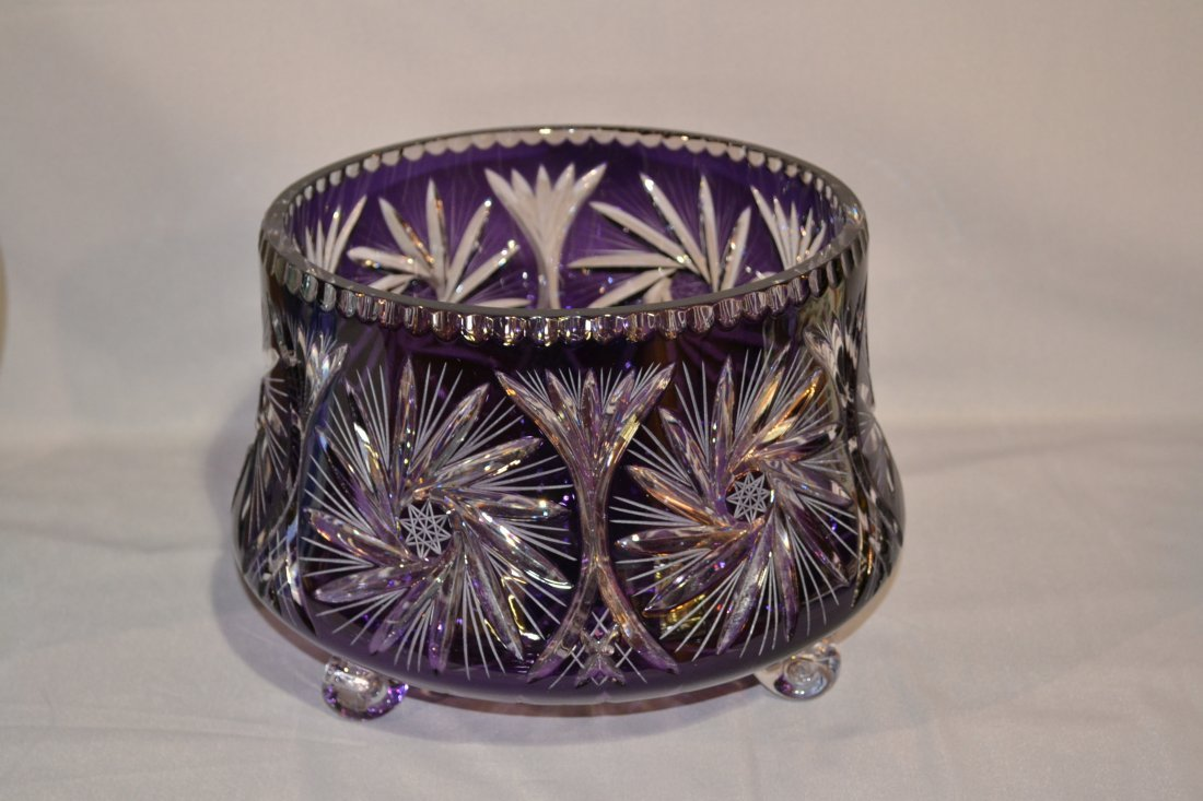 211A: PURPLE CUT TO CLEAR CRYSTAL CENTERPIECE