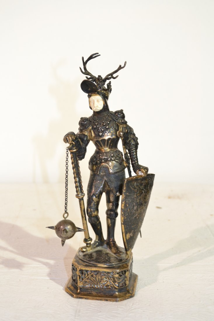 293: EARLY 19thC SILVER KNIGHT WITH IVORY FACE & FLIP