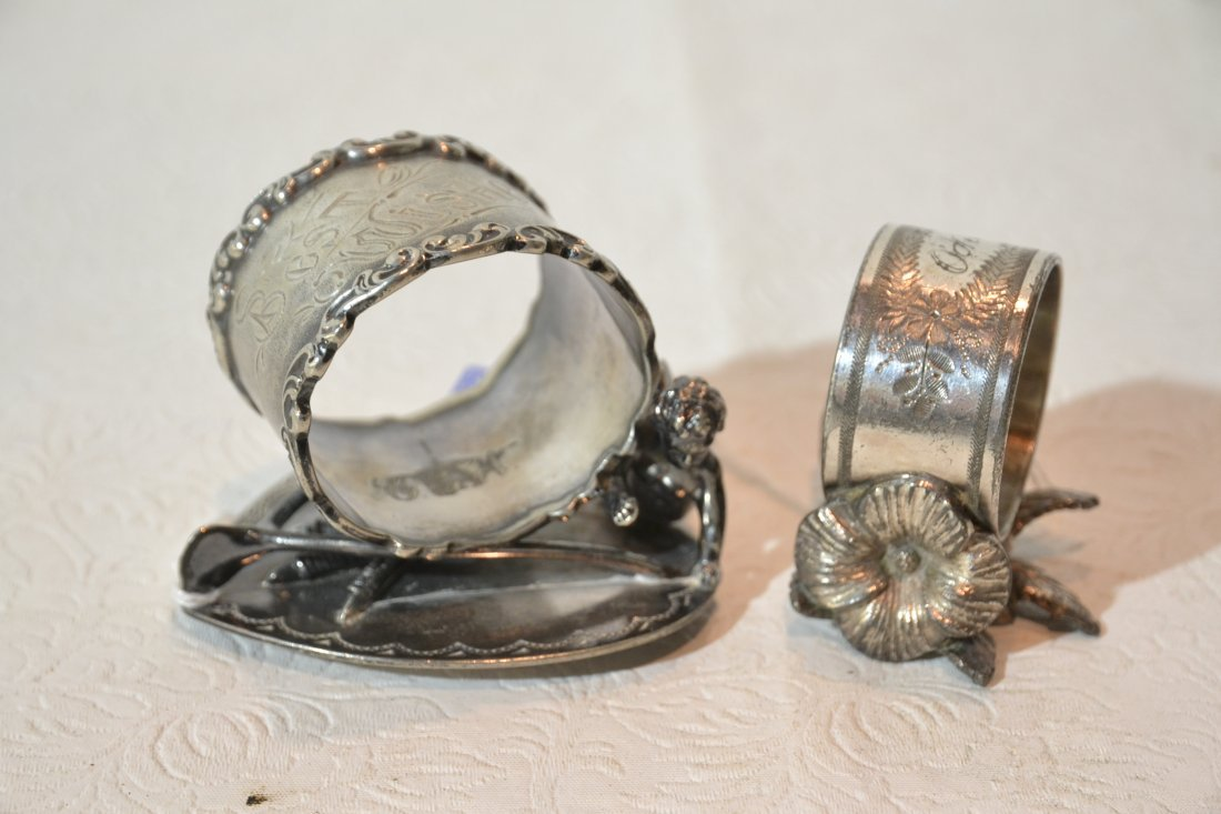 WILCOX SILVER PLATE NAPKIN RING & MERIDIAN