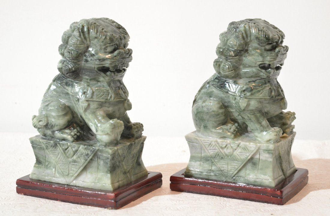 (Pr) HARD STONE FOO DOG CARVINGS ON WOOD BASES