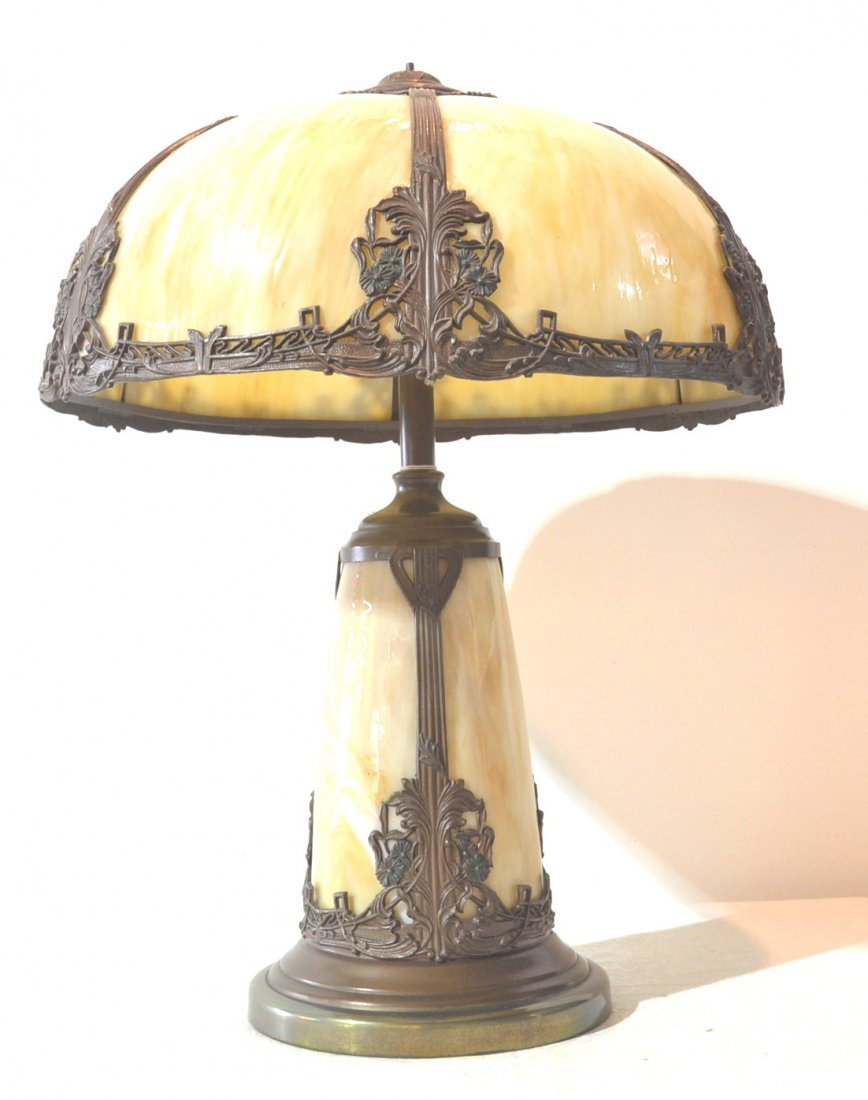6-PANEL BENT SLAG GLASS LAMP WITH MATCHING