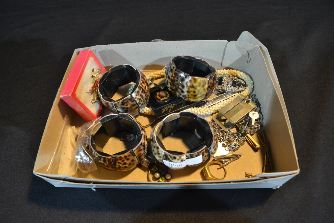 ASSORTED COSTUME JEWELRY INCLUDING STERLING