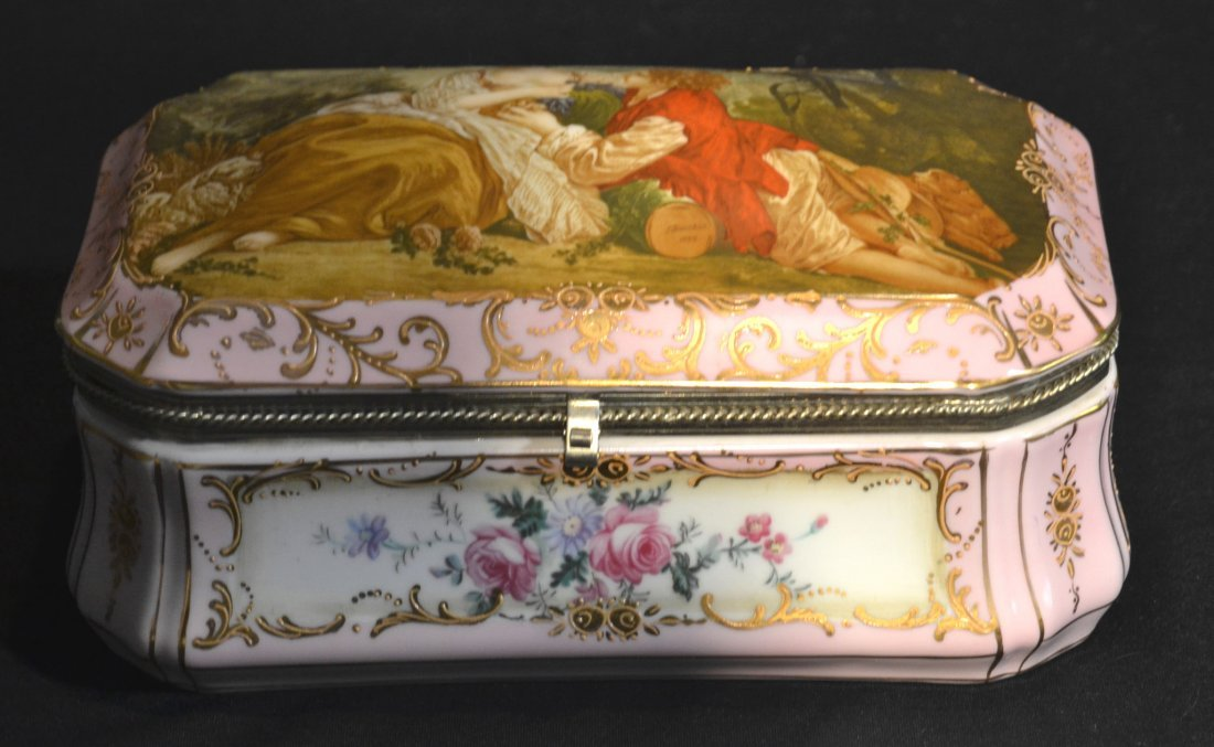 HINGED SEVRES STYLE HAND PAINTED DRESSER BOX