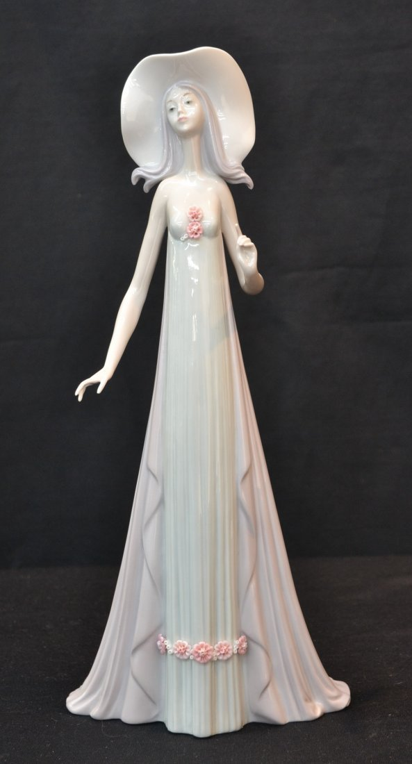 """LLADRO GIRL WITH HAT - 13 1/2"""" TALL"""
