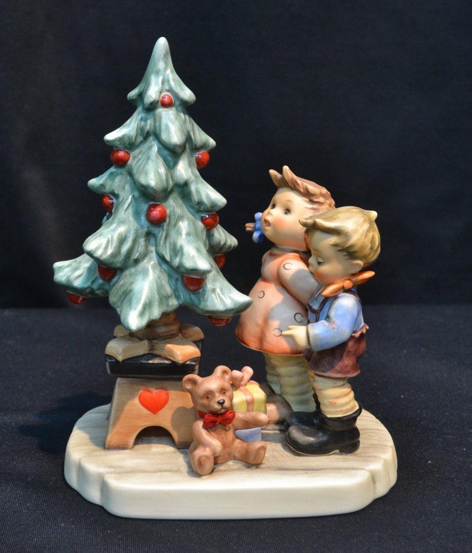 "HUMMEL ""WONDER OF CHRISTMAS"" - 2015; TM-7; 7"" TALL"