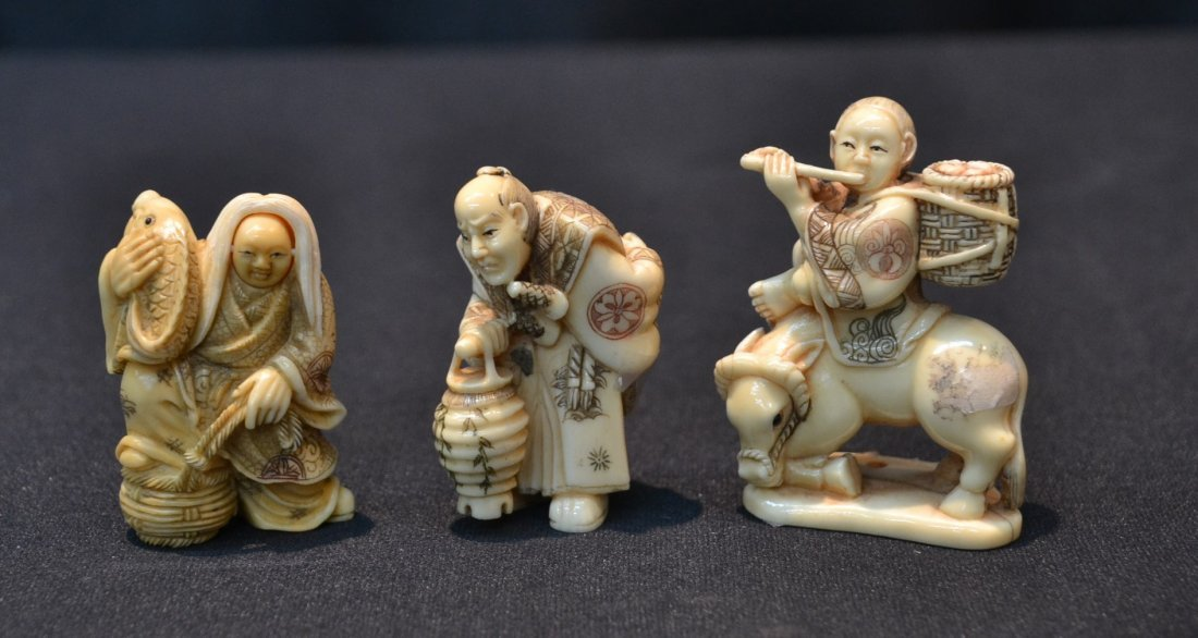 (3) CARVED HIPPO IVORY NETSUKE INCLUDING
