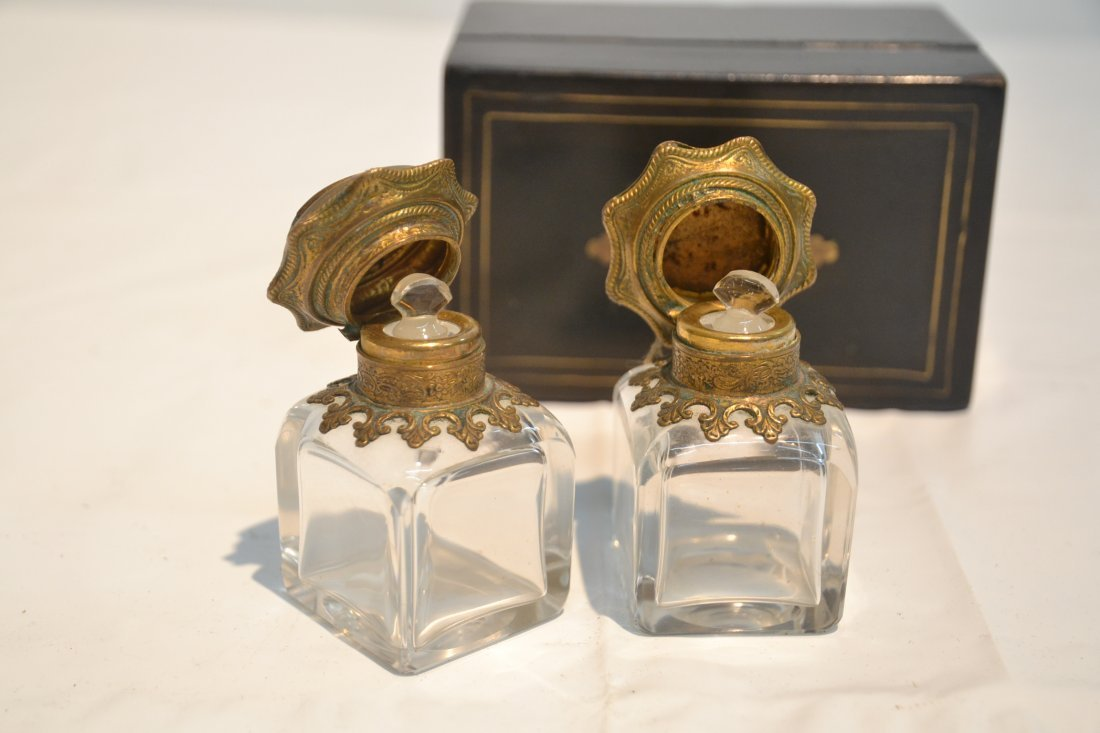 INLAID PERFUME BOX WITH ENAMEL BOTTLES & - 8