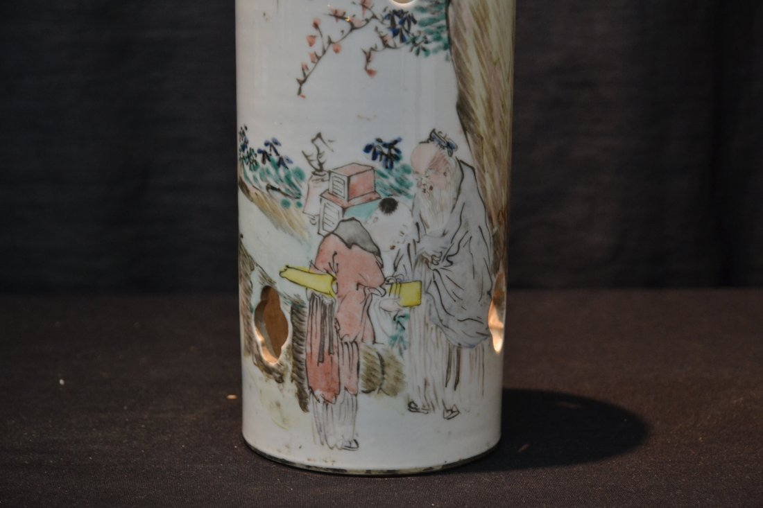ORIENTAL PORCELAIN HAT STAND WITH FIGURES - 2
