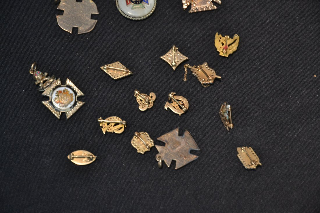 (16) ASSORTED FRATERNAL PINS - 9