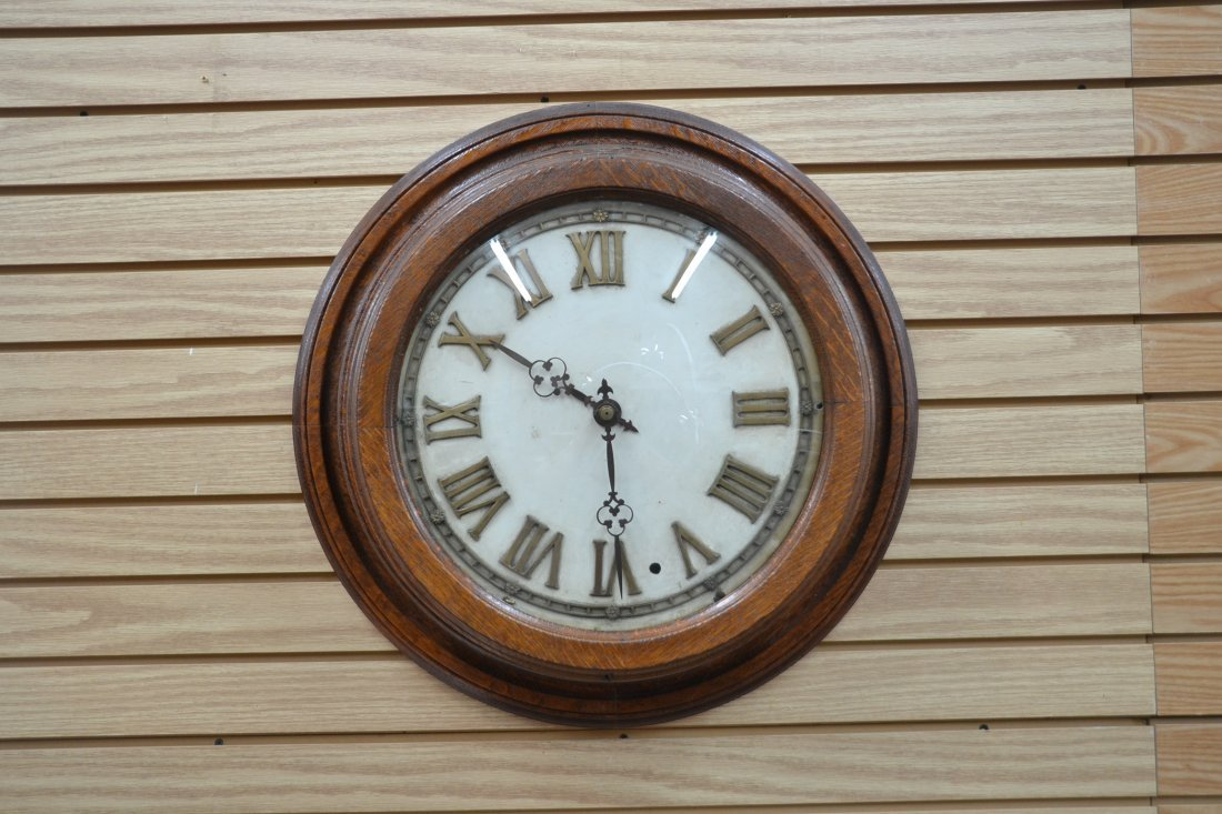 MASTER RAIL ROAD CLOCK WITH CONCAVE GLASS & - 2