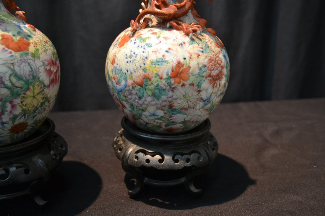(Pr) CHINESE VASES WITH DRAGONS WRAPPED AROUND - 4