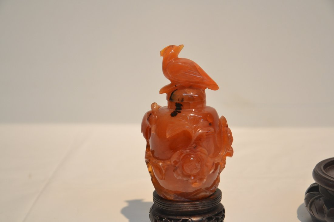 AGATE SNUFF BOTTLE & CELEDON ON STAND - 6