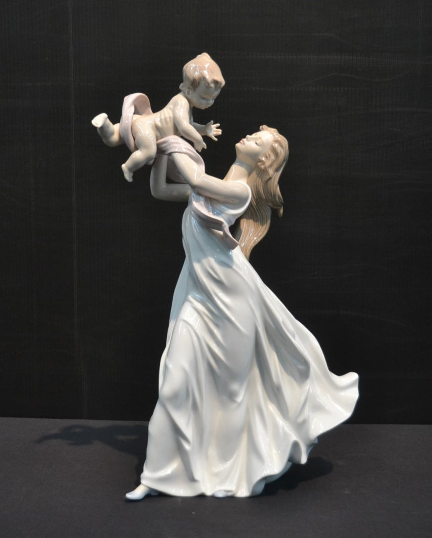 "LLADRO ""MY LITTLE SWEETIE"" MOTHER & CHILD, #6858"