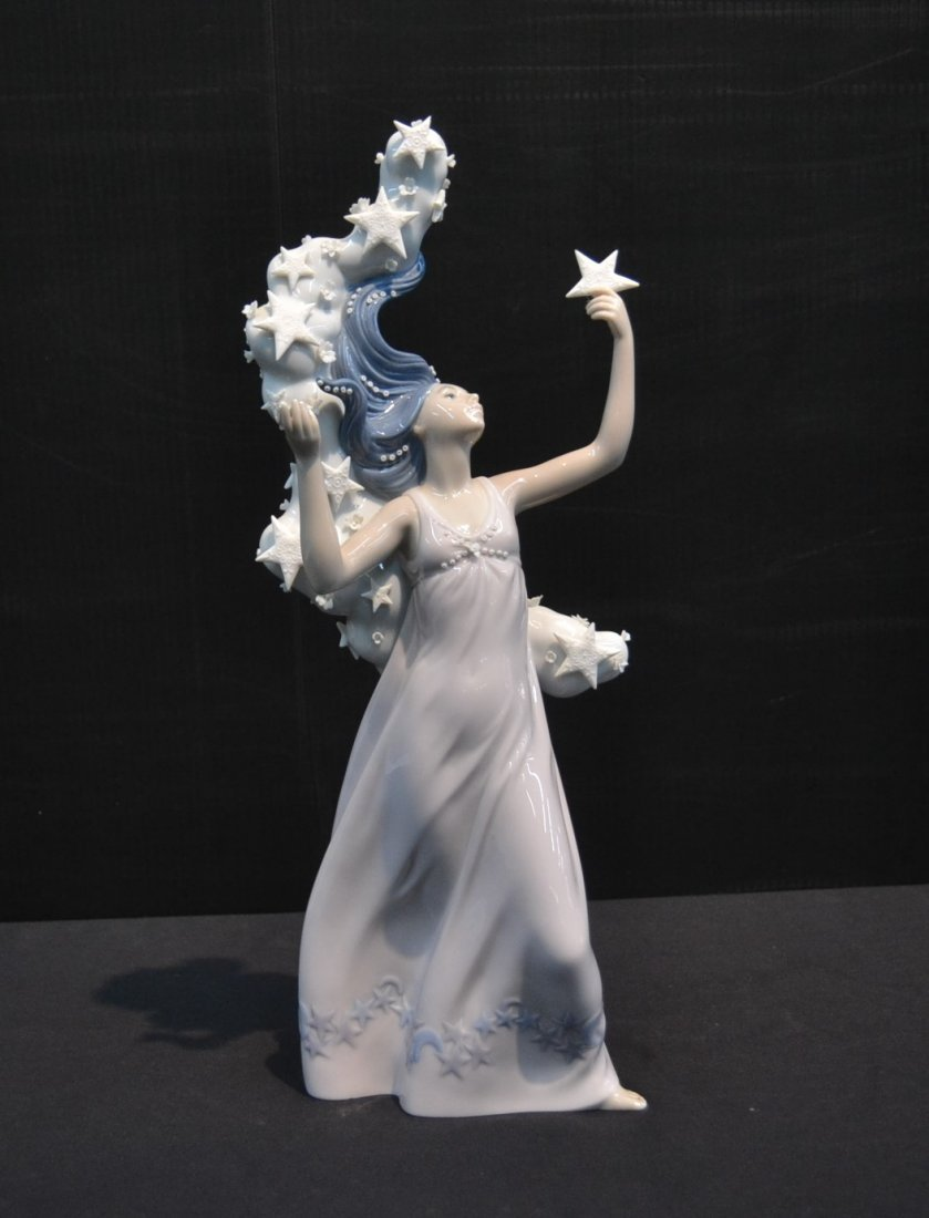 "LLADRO "" MILKY WAY"" WOMAN WITH STARS , # 6569"