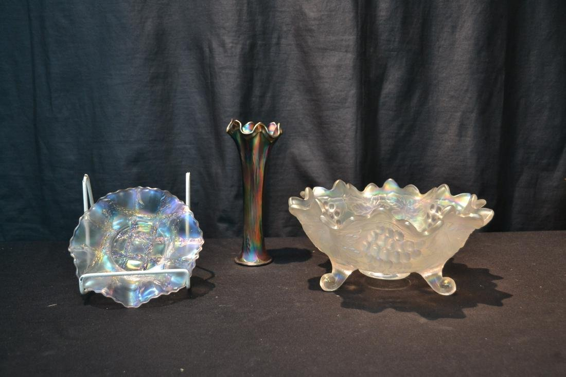 WHITE CARNIVAL FOOTED GRAPE VINE BOWL SIGNED - 2