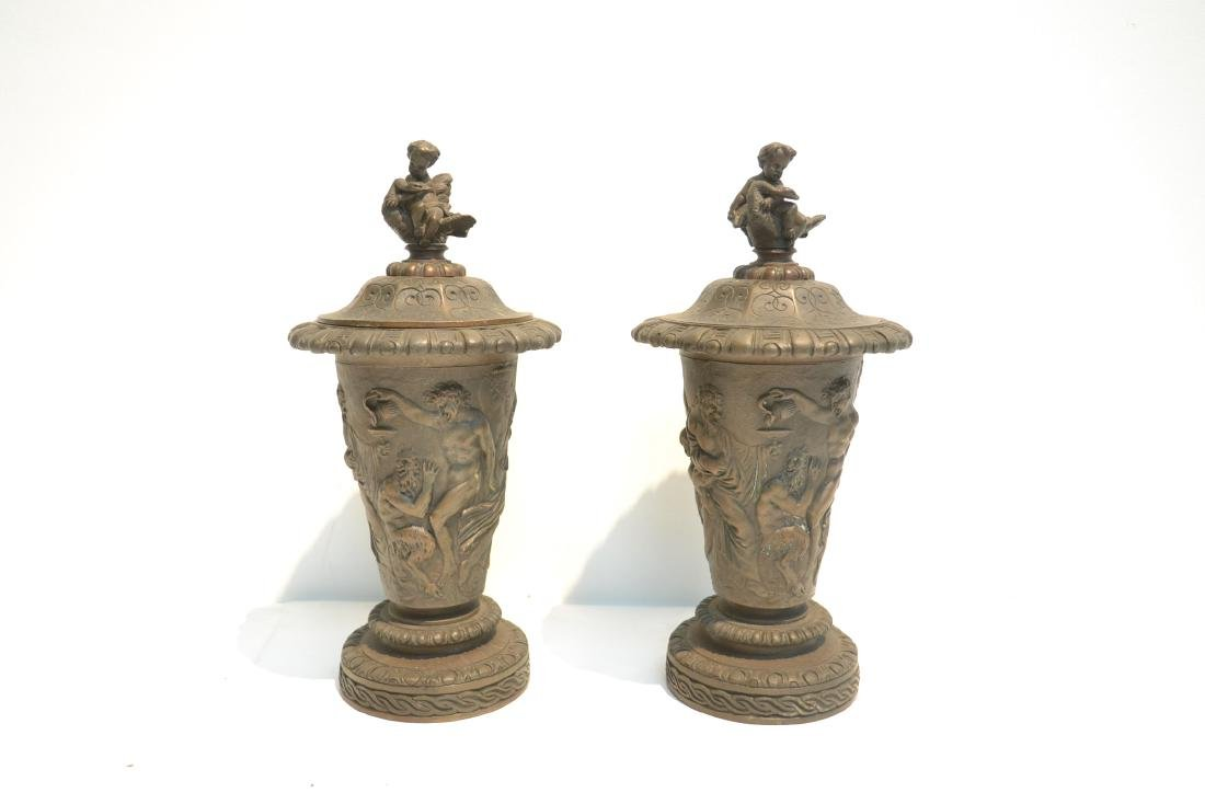 (Pr) BRONZE GARNITURE WITH FIGURES AROUND - 2