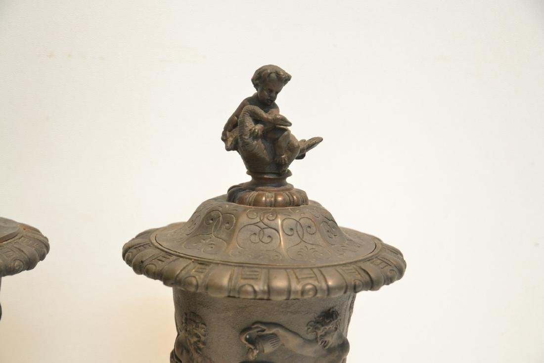 (Pr) BRONZE GARNITURE WITH FIGURES AROUND - 5