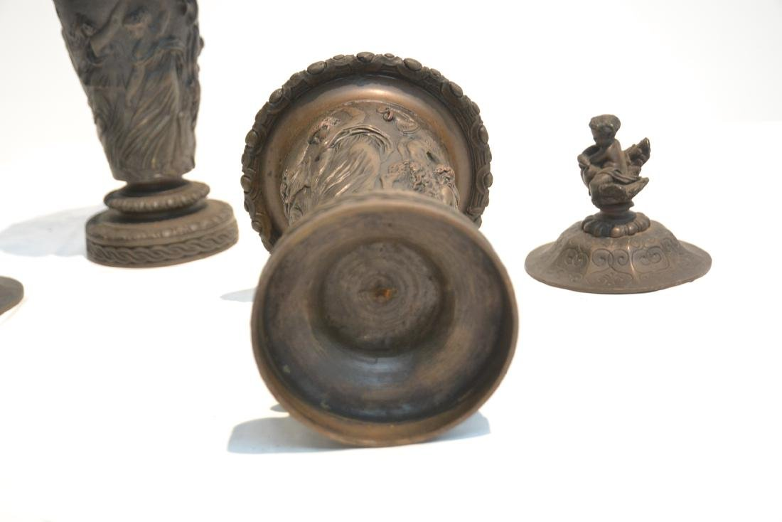 (Pr) BRONZE GARNITURE WITH FIGURES AROUND - 9