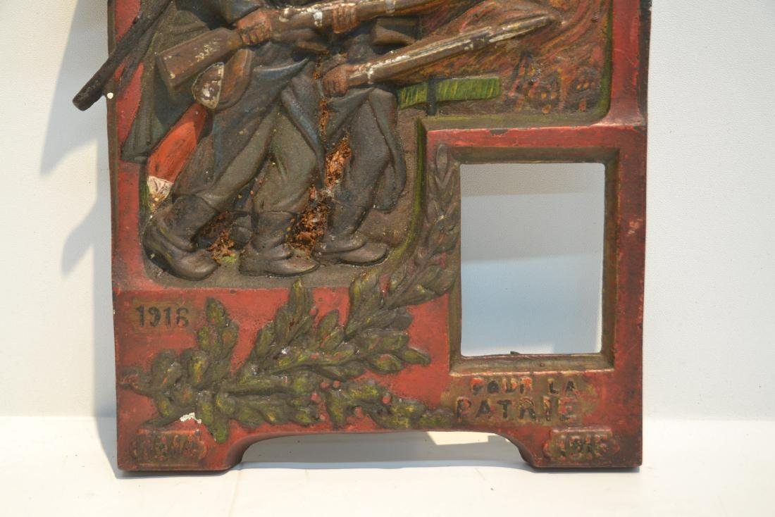 COLD PAINTED IRON RELEIF PLAQUE OF FRENCH SOLDIERS - 5