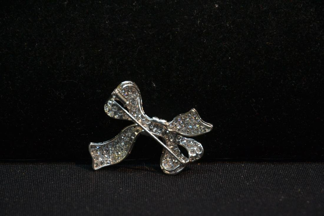 18kt WHITE GOLD APPROX. 3ctw DIAMOND BOW PIN - 5
