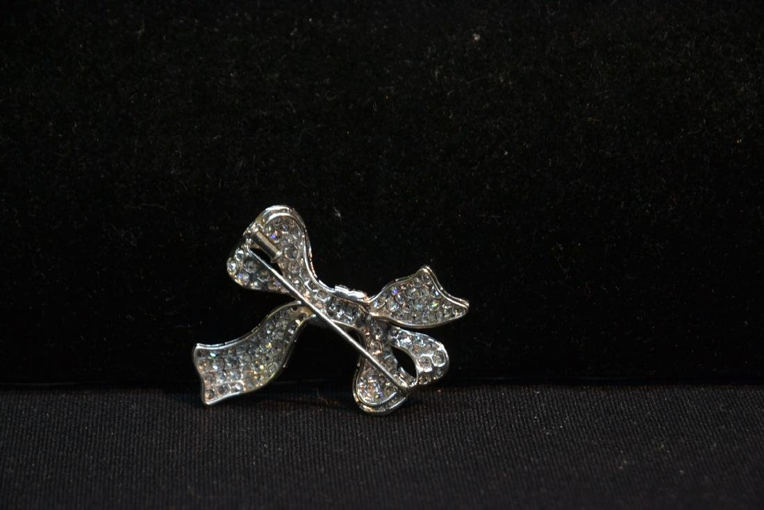 18kt WHITE GOLD APPROX. 3ctw DIAMOND BOW PIN - 6
