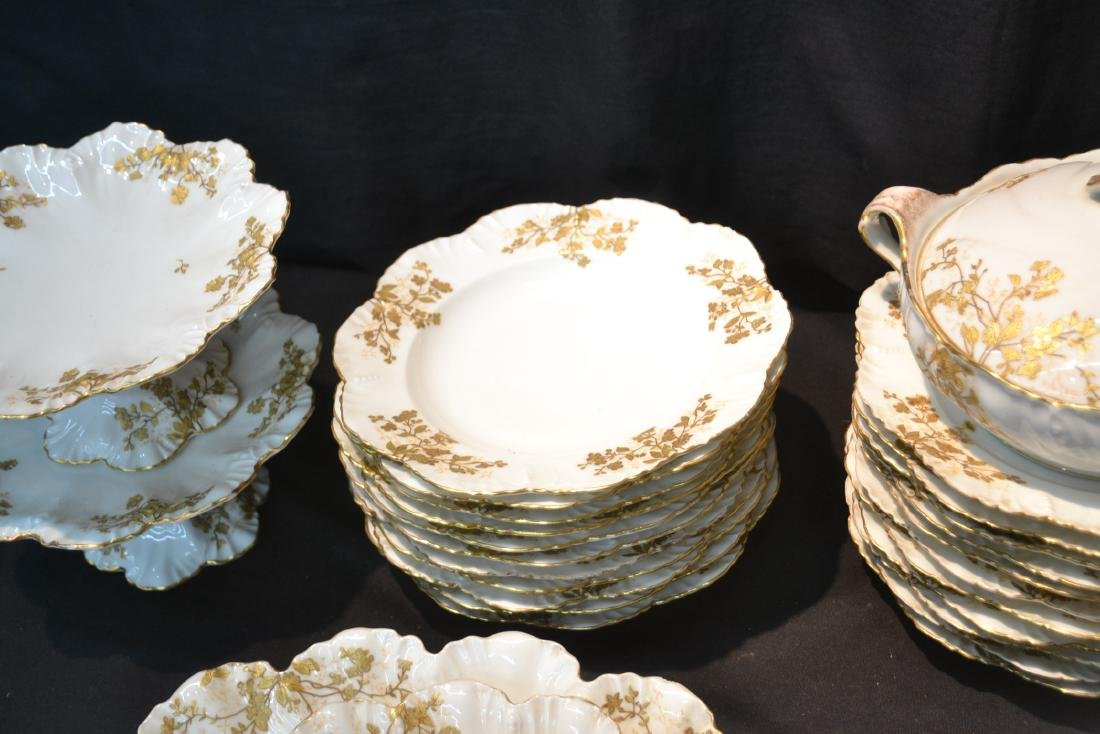 LIMOGES DINNER SERVICE WITH GOLD DECORATIONS - 6