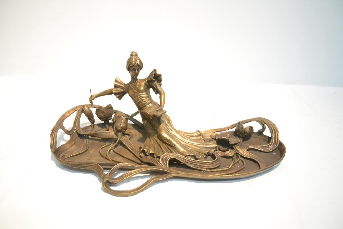 BRONZE NOUVEAU STYLE RECLINING WOMAN WITH BOOK - 2