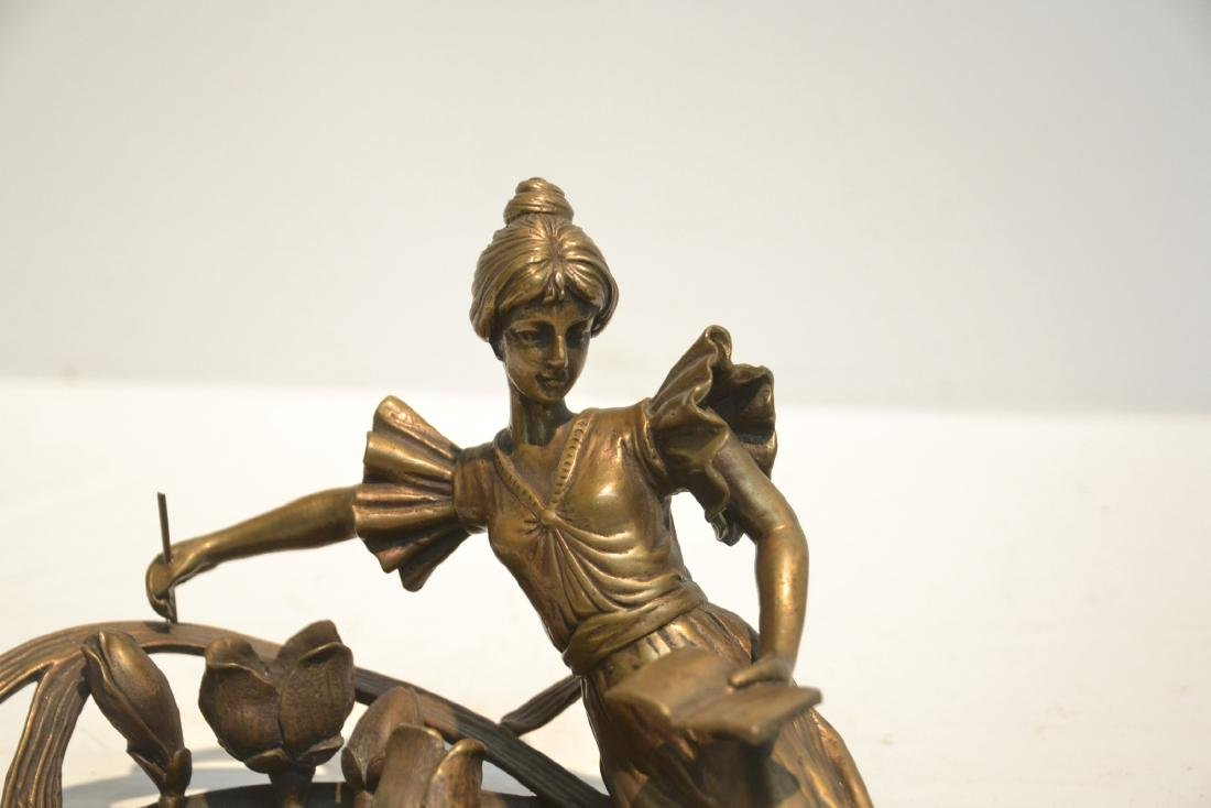 BRONZE NOUVEAU STYLE RECLINING WOMAN WITH BOOK - 3