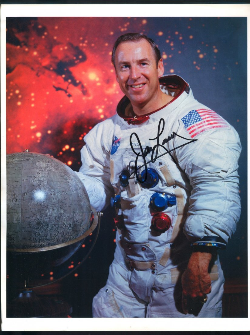 James Lovell Signed Glossy Photo