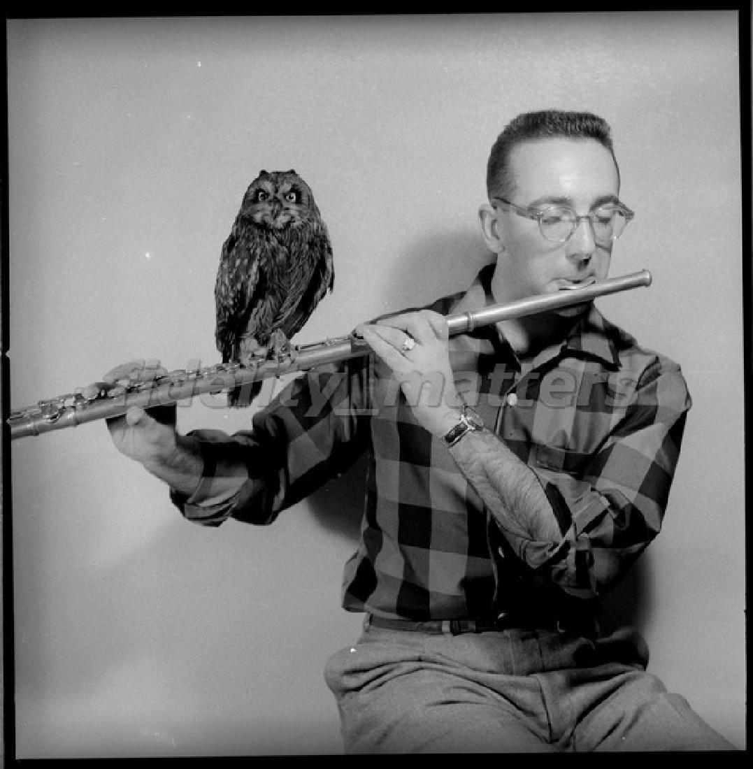 BURT GOLDBLATT ARCHIVE - HERBIE MANN WITH OWL