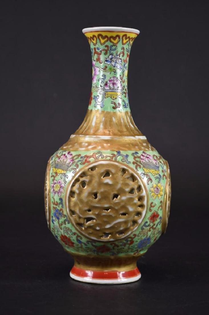 Chinese Famille Verte Porcelain Vase - 3
