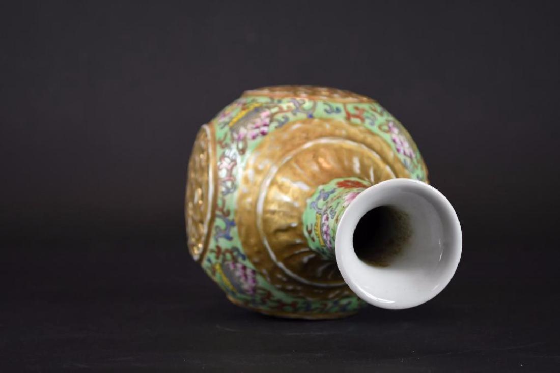 Chinese Famille Verte Porcelain Vase - 5