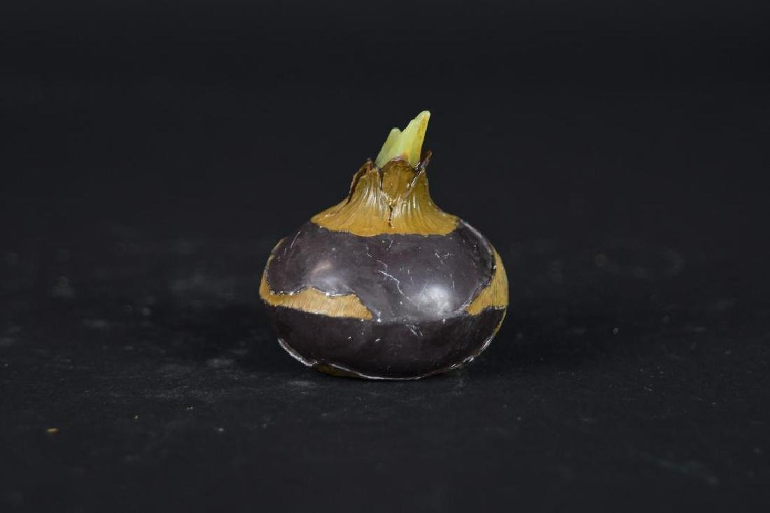 Four  Chinese Carved Agate Garlic Form Items - 3
