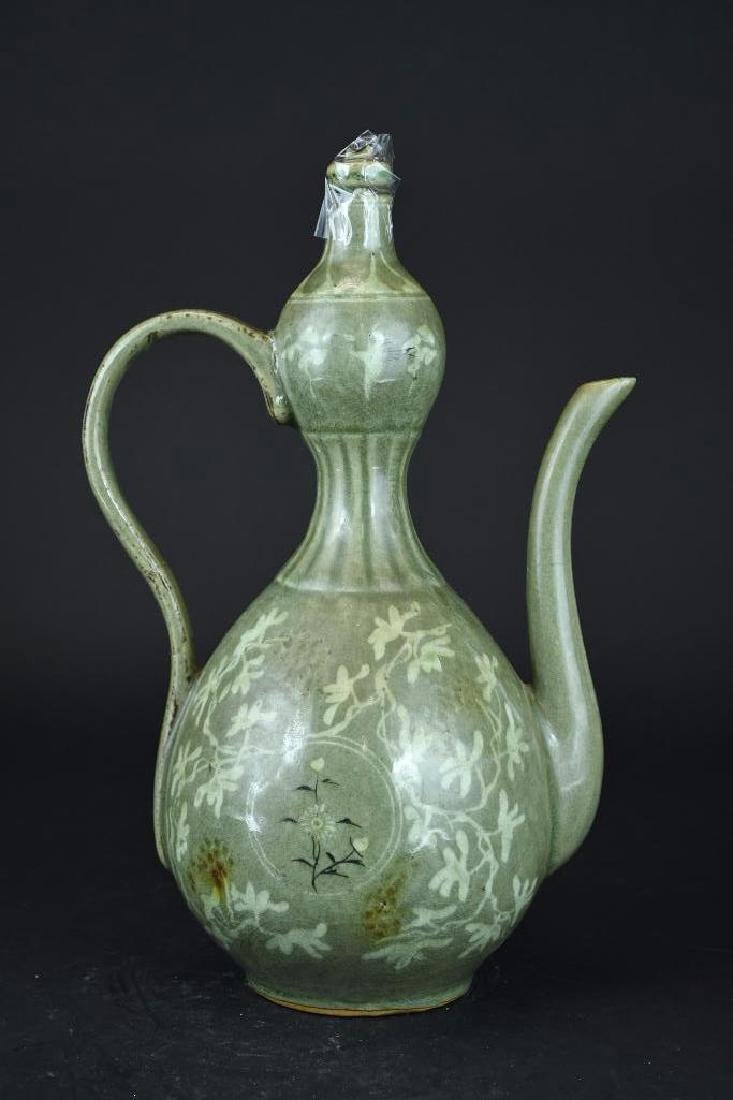 Korean Celadon Porcelain Lidded Ewer - 2