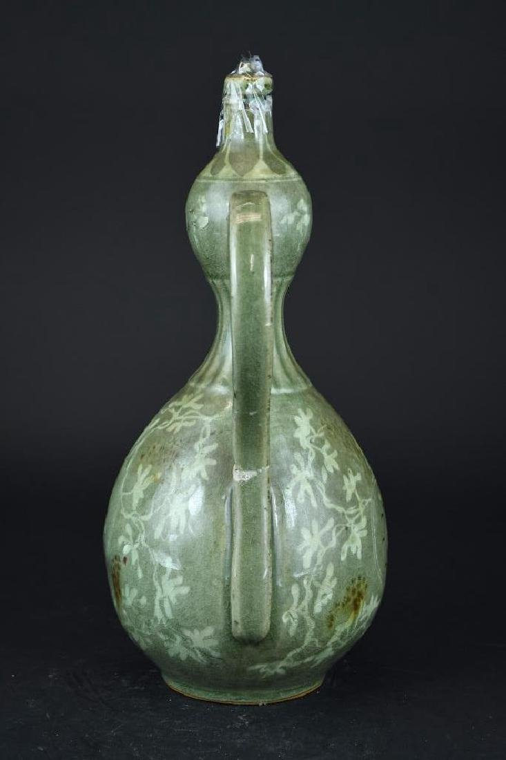 Korean Celadon Porcelain Lidded Ewer - 3
