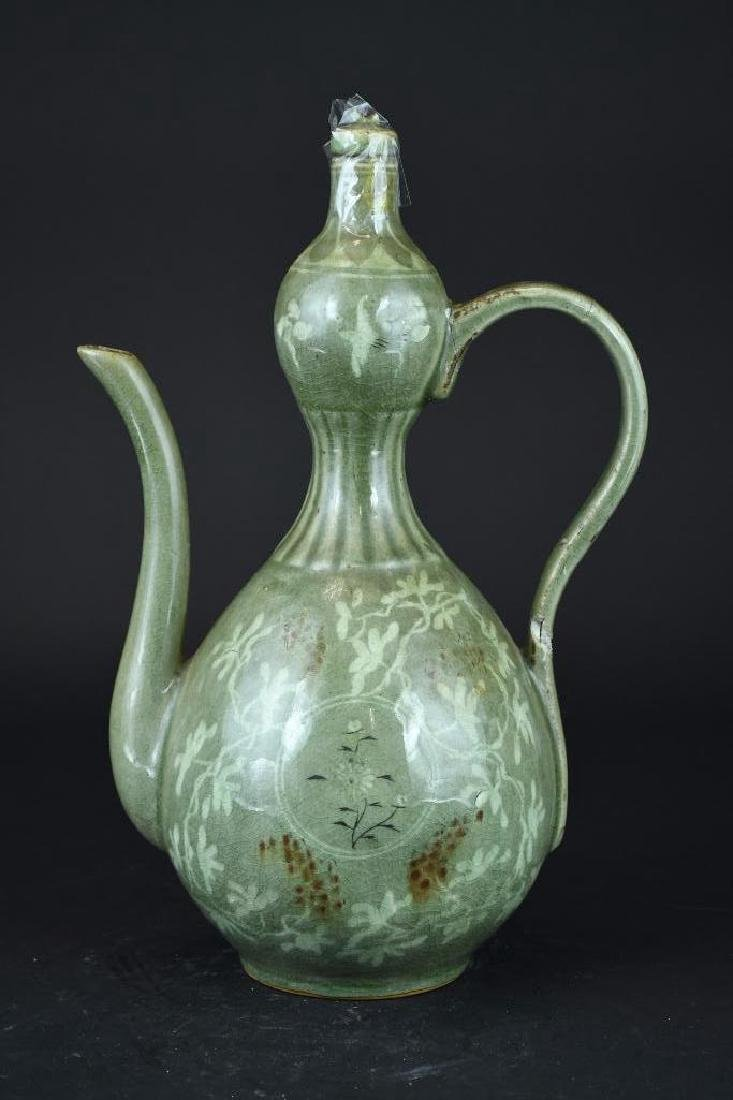 Korean Celadon Porcelain Lidded Ewer - 4