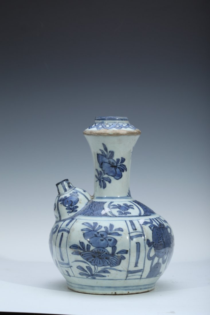 15: Antique Chinese  Blue & White  Porcelain Ewer