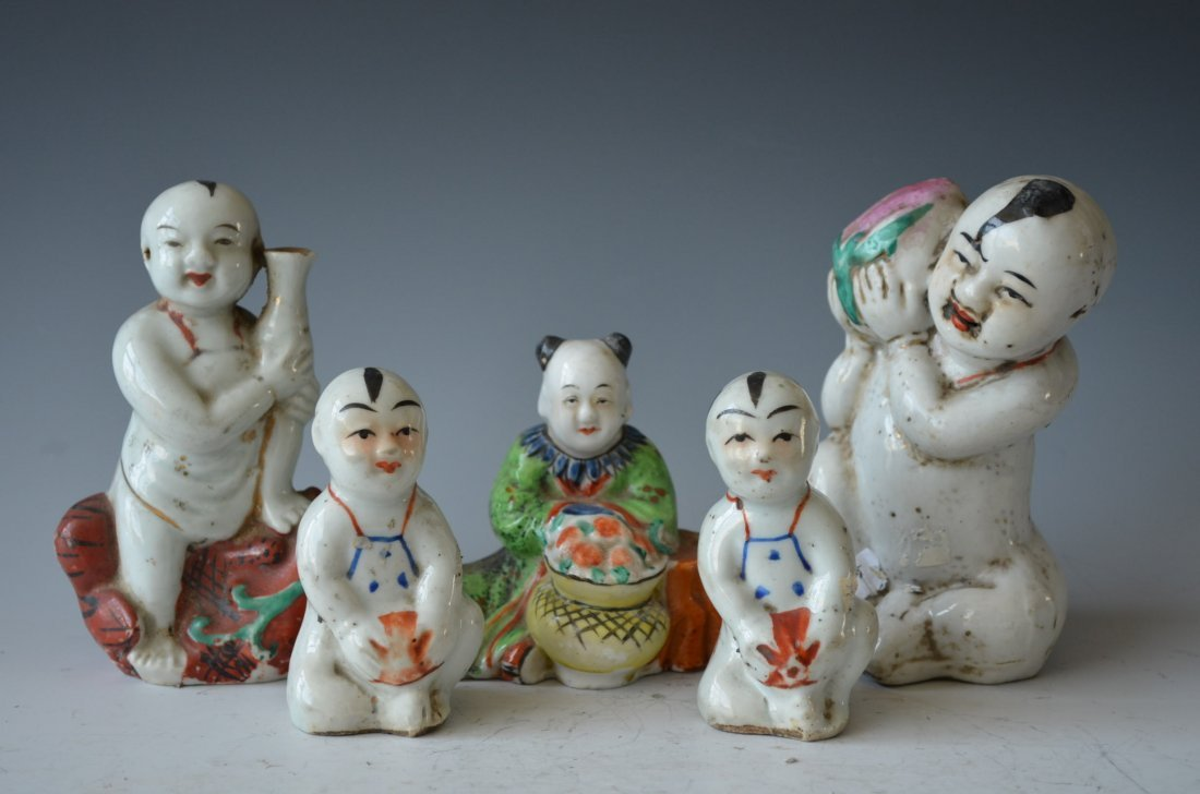 Chinese Porcelain Figuresm Five Pieces