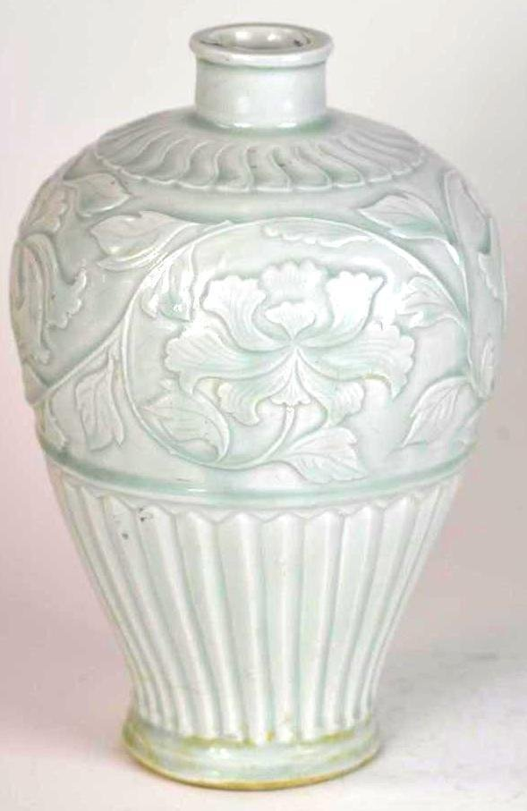Korean Celadon Glaze Porcelain Vase