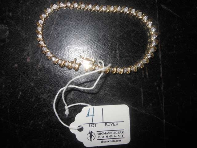 4: Diamond Tennis Bracelet, tests 14 KY Gold, 41 Diamon
