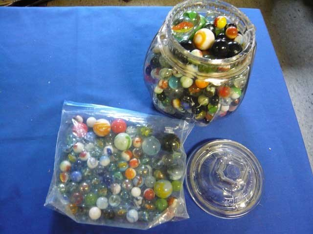 140: Lot of Marbles