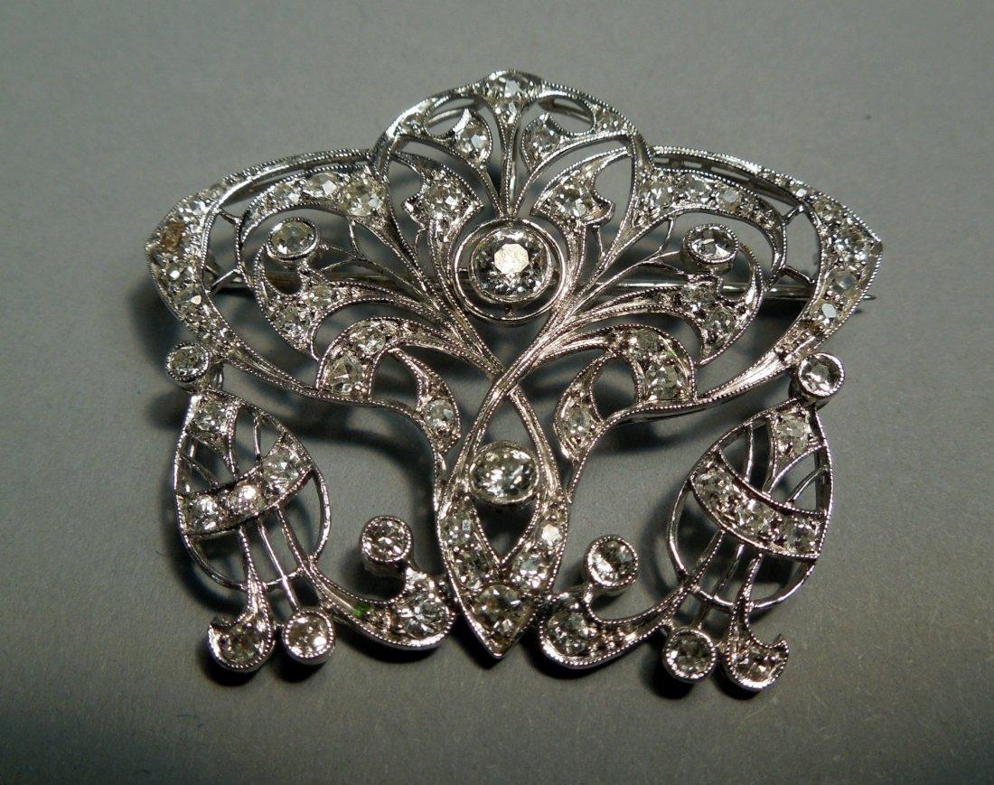 76: Fine Quality Art Deco Diamond and Platinum Broach