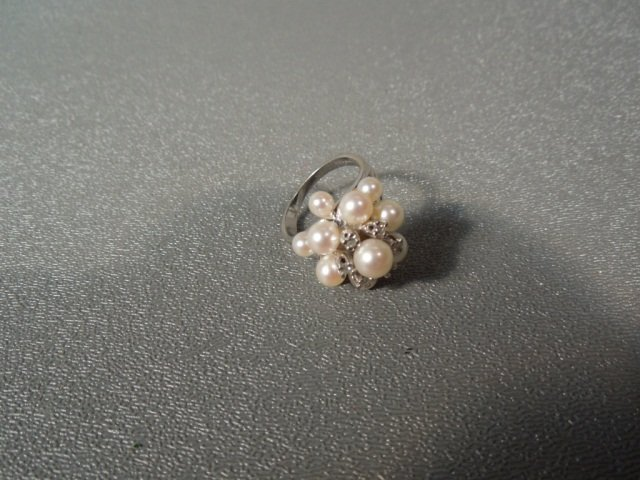 91: Estate Diamond and Pearl Gold Ring