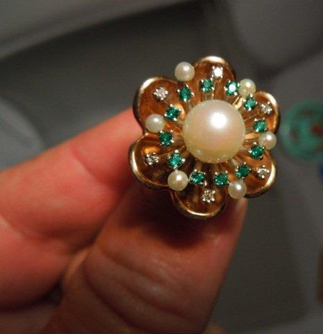 92: Estate Diamond, Emerald and Pearl Gold Ring