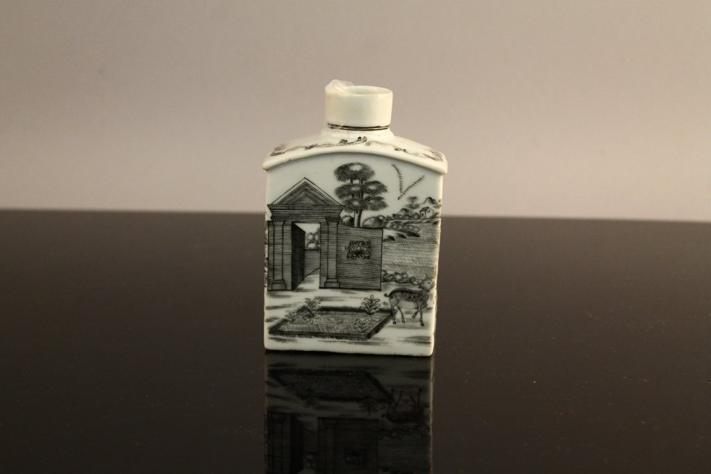 Chinese 18th century Grisaille Tea Caddy