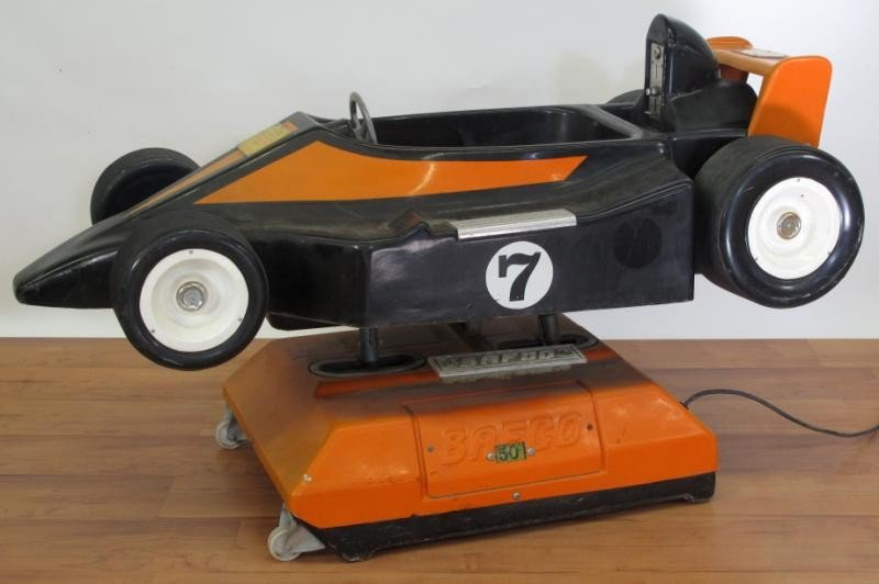 15: CHILD'S RACING CAR ROCKING RIDE