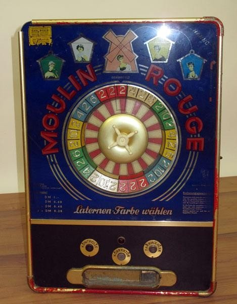 22: VINTAGE MOULIN ROUGE AMUSEMENT GAME