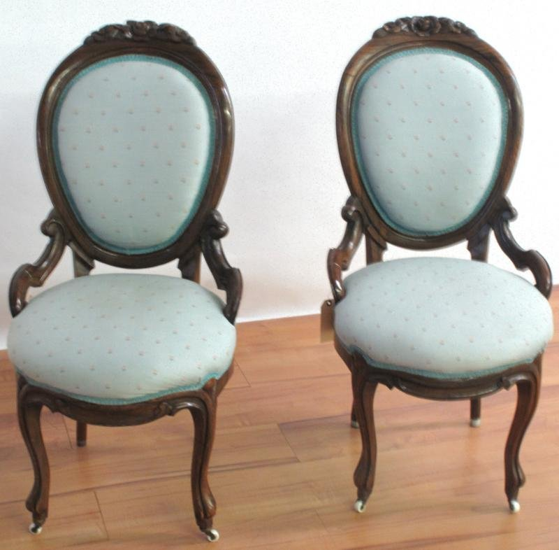 24: OCCASIONAL CHAIRS