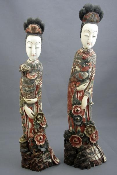 401: TWO CARVED POLYCHROMED IVORY FIGURES